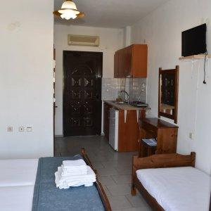 3 bed studio